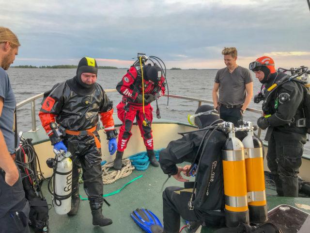 Viikonlopun ensimmäinen sukellus oli maisemasukellus ennen pimeän tuloa.
