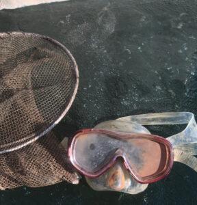 Etsintäsukellus tuotti tuloksen ja maski löytyi.