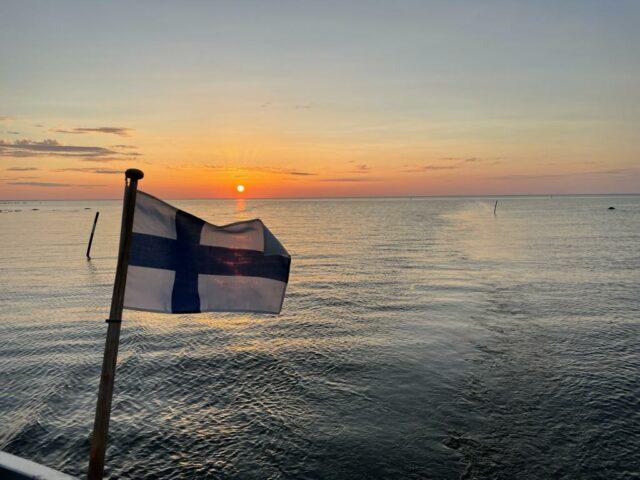 perjantai ilta vietettiin Björkebyn kalasatamassa.
