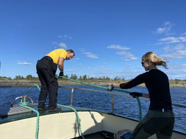 Lauantaina varauduttiin tuulen nousemiseen ja sukellettiin Rönnskär majan länsipuolella. Pohjan muoto oli varsin kiva sukelluspaikkana.